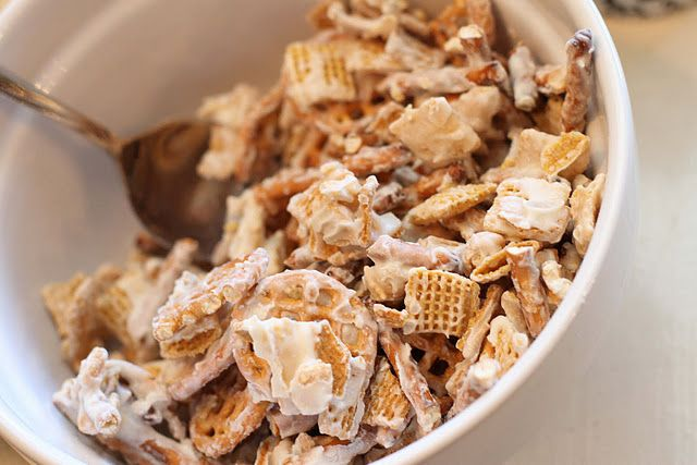 Golden graham white chocolate clusters