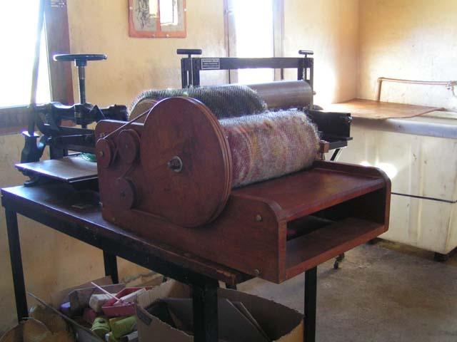 Cardadoras hechas en argentina. Nuestras cardas son apreciadas tanto para vellón top como para lanas recién esquiladas, lavadas y tizadas, permitiendo resultados diferentes en calidades de texturas táctiles y visuales.