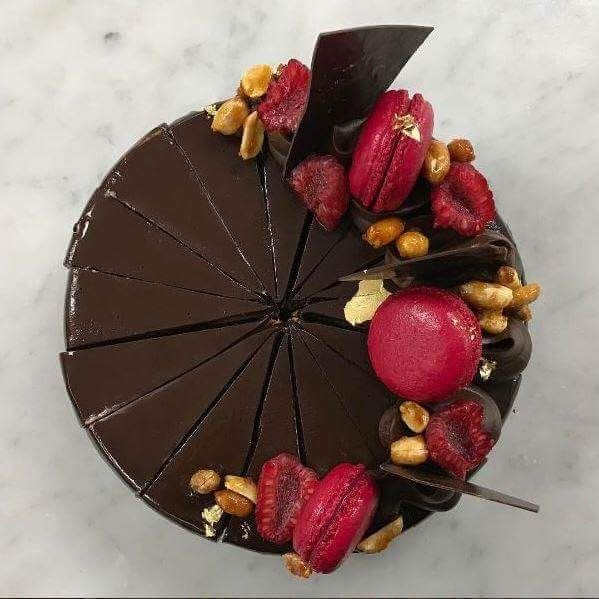 Chocolate, Raspberry and Peanut Butter Cake P.c. @mikalyabrightling