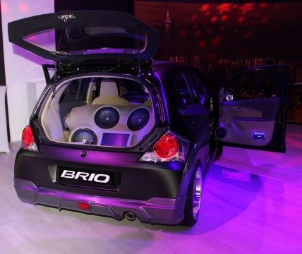 honda-brio-club-brio-back