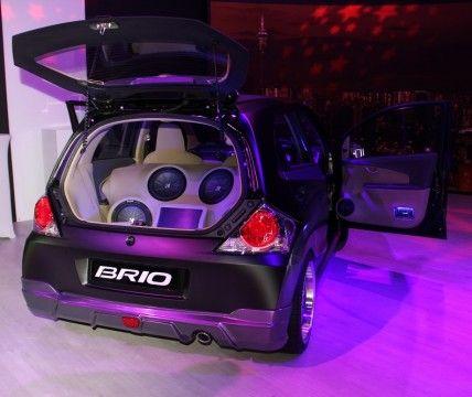 honda-brio-club-brio-back