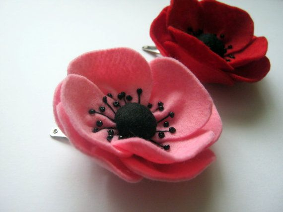Felt hair clip  red or pink poppy / MADE TO ORDER 5 por DusiCrafts