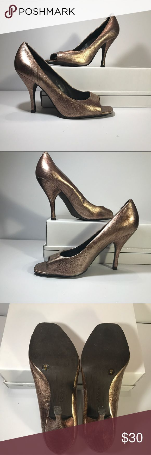 BCBGENERATION Ariel Brushed Metallic Heel BCBGENERATION Ariel Brushed Metallic Bronze Gold Open Toe Leather Heel. Women's Size 8. LIKE NEW CONDITION! BCBGeneration Shoes Heels