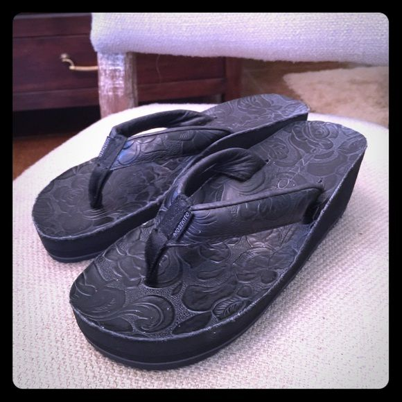 Black flip flops Moszqito's Orthopedic flip flops - extremely comfy!!  Only worn a few times! Shoes Sandals