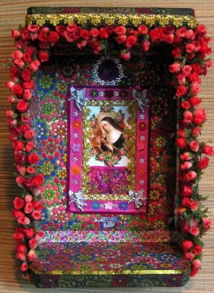Oratório mimoso de florzinhas.