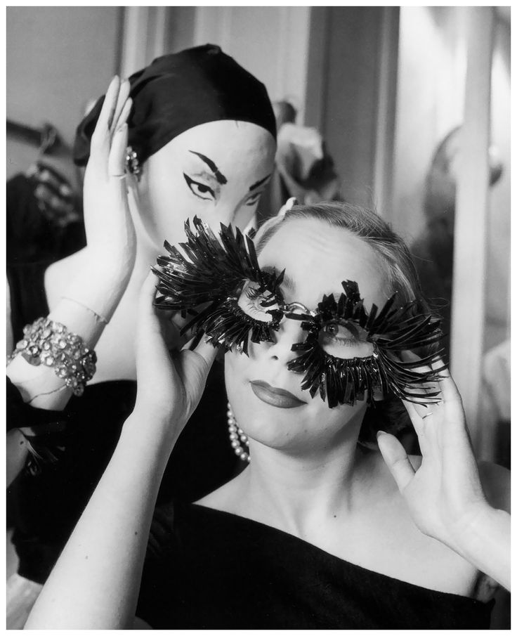 Model and store mannequin at Elsa Schiaparelli's store, photo by Regina Relang, Paris, 1951