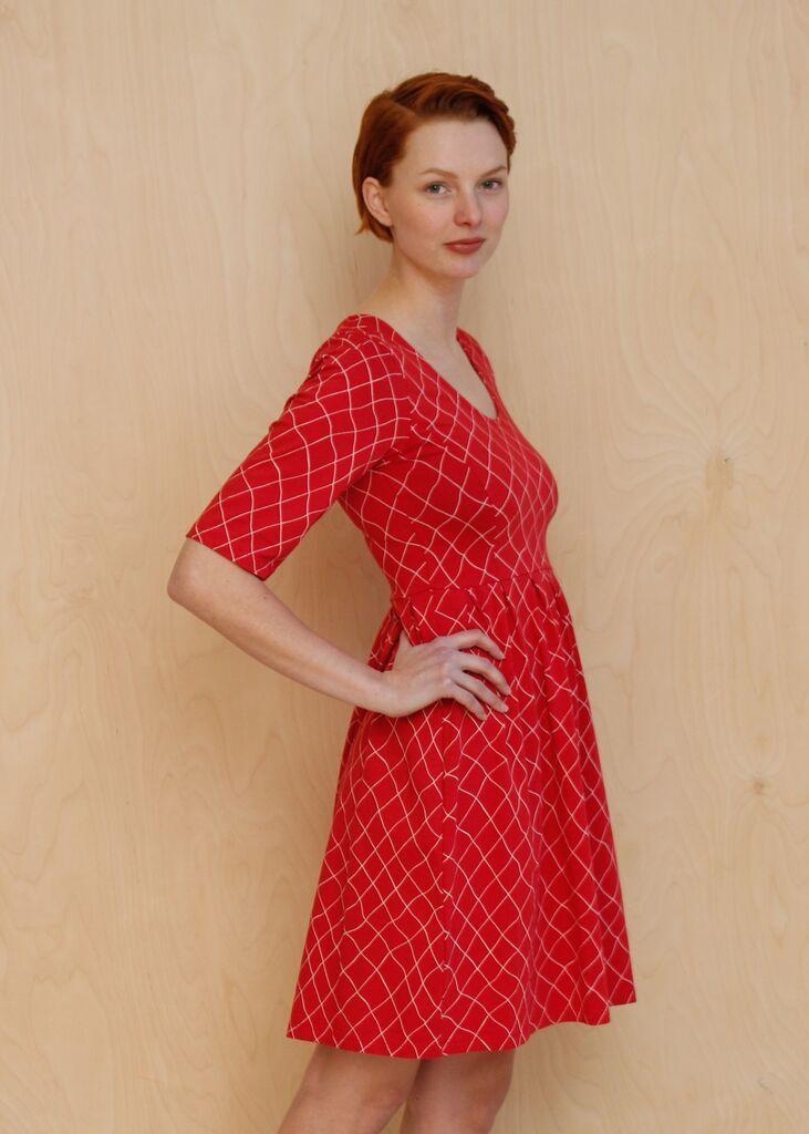 Tilda Dress Fiskenät Red