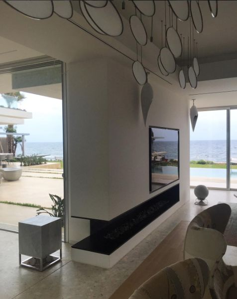 An amazing #architetturasonora sound system, a sonic solution by #21db_acousticsolutions, for this stunning private villa on the shores of north Lebanon by @blankpagearchitects  #goodsound #music #soundart #lines #marble #design #white #curves #nature #beach #bestoutdoorspeakers #becausesoundmatters #landscapesound #SmallDrops #Sphere360 #Dolphin