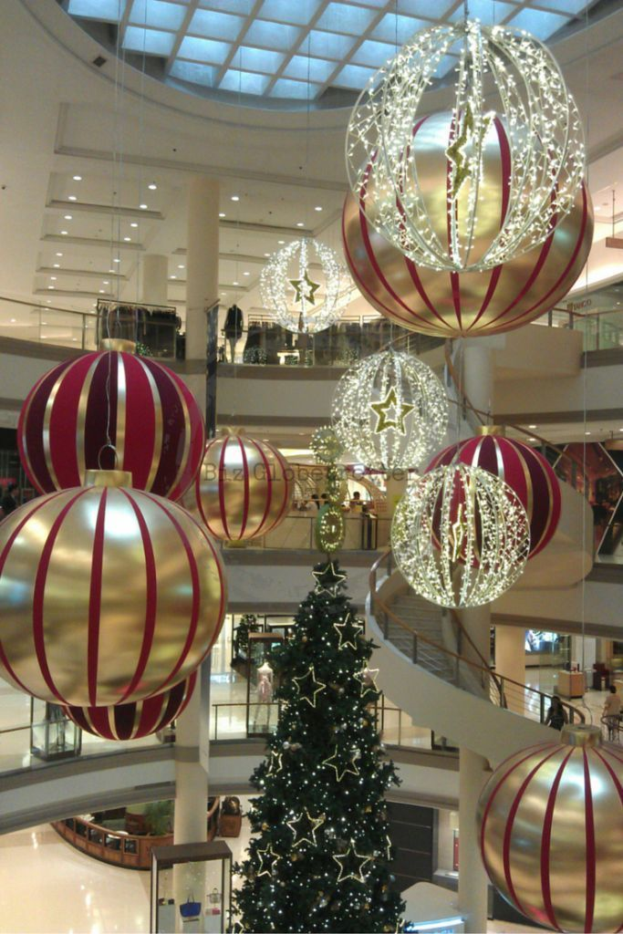 Christmas decoration gaysorn mall bangkok thailand for Thai decorations ideas