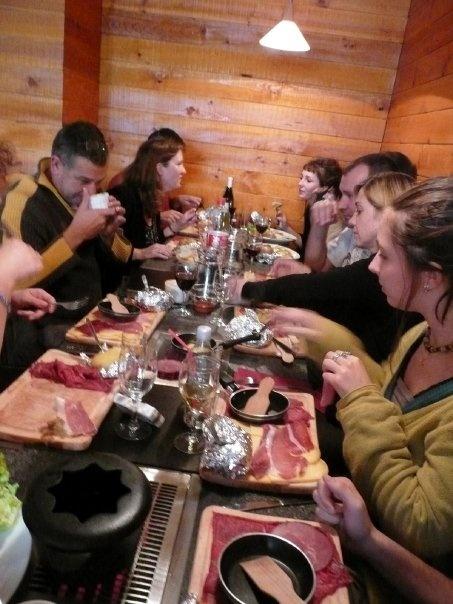 Les fondus de la raclette - Paris 18 #raclette-recipes #tabletop-cooking #the-tabletop-cook