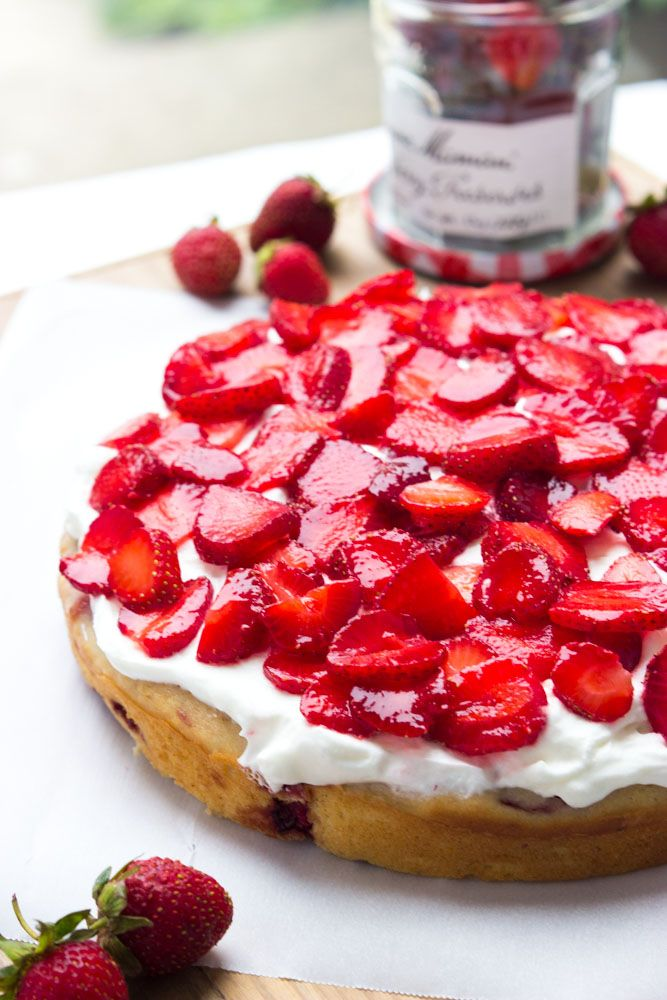 Delicious spin on the classic strawberry shortcake dessert. Easy and quick all from fresh ingredients   littlebroken.com @littlebroken