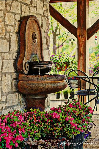 Love this fountain hacienda style pinterest love for Mexican style outdoor fountains
