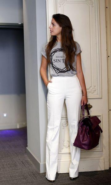 Look: T-shirt Cinza + Calça Branca