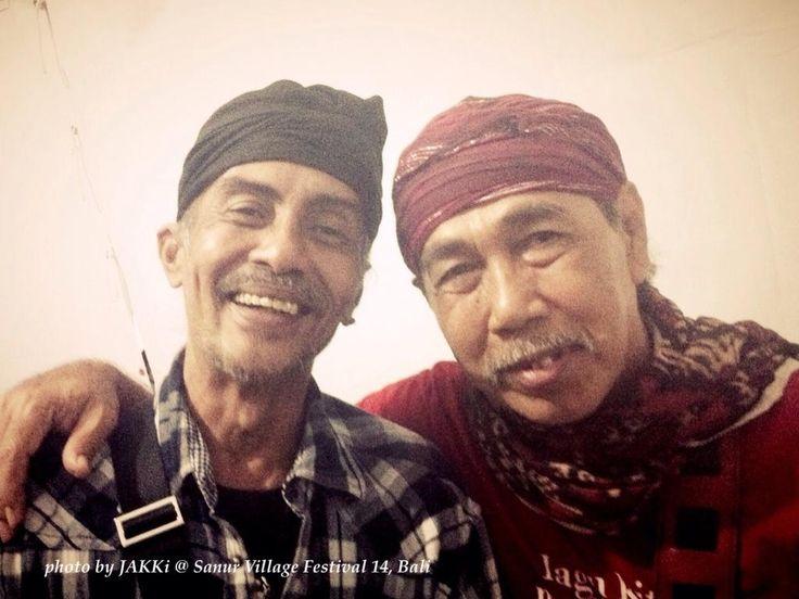 Veteran Balinese guitarist Riwin (left) and Indonesian great Sawung Jabo