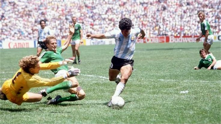 Harald Schumacher vs Diego Maradona 1986