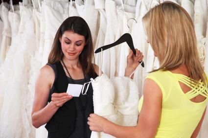 Renting a Wedding Dress pros & cons + rental shop listing in Livermore & Modesto