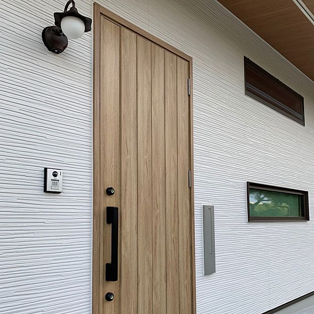 玄関ドア シュガーオーク ドア イベント参加中 Lixilドア などのインテリア実例 2019 05 14 13 51 03 Roomclip ルームクリップ 玄関ドア リクシル 玄関ドア Lixil ドア