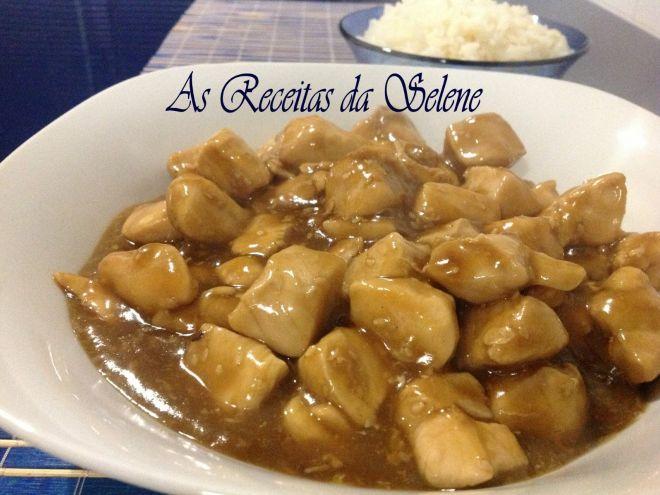 Receita Prato Principal : Frango com sementes de sésamo na wok de Selene Receitas