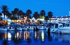 Cala'n Bosch Menorca - The Marina - lovely places to eat, some lovely shops and a decent place to go at nighttime