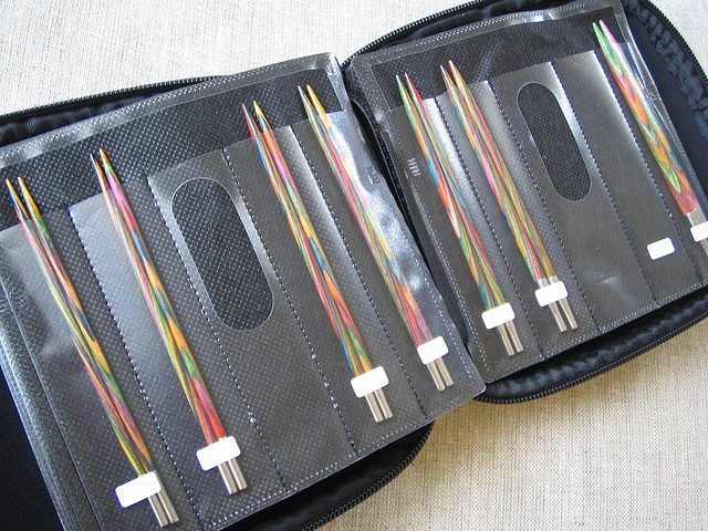 Hack a CD holder to store and organize interchangeable knitting needles | by aco-kuro, via Flickr