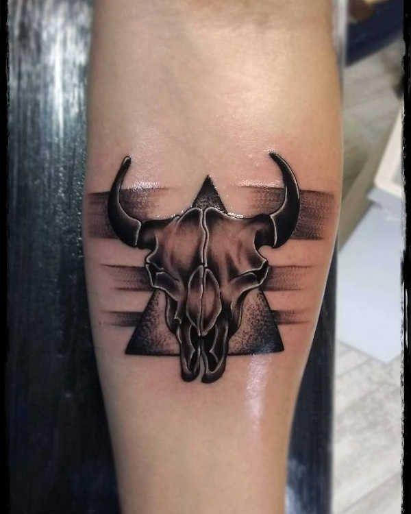 Tatuaże Ze Znakami Zodiaku Byk Znaczenie Historia 64