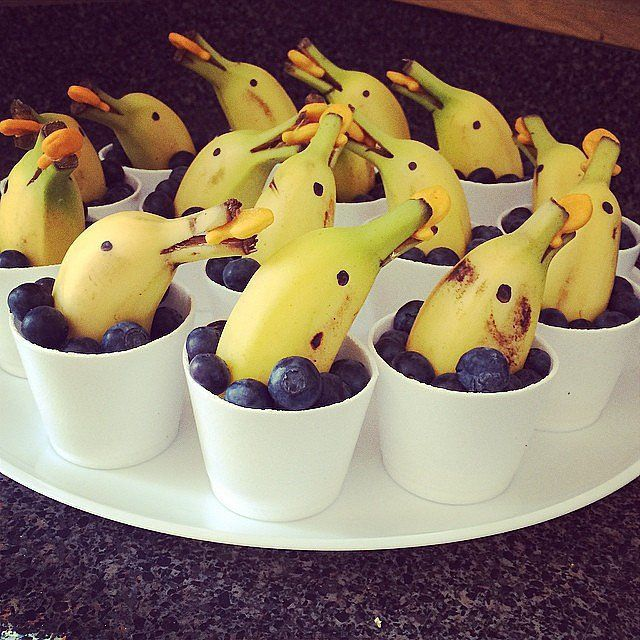 This blueberry and banana creation makes for a great party snack. Source: Instagram user dawnn3: