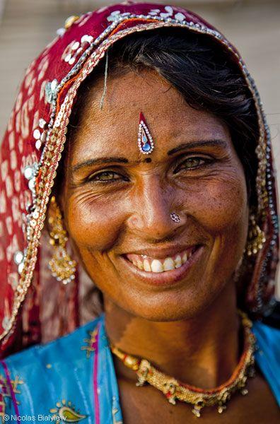 nicolas bialylew photographie inde les femmes en inde histoires indiennes pinterest. Black Bedroom Furniture Sets. Home Design Ideas