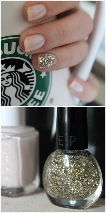 one nail glitter, done