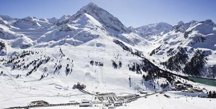 Op slechts dertig kilometer van Innsbruck, tussen de Stubaier en de Ötztaler Alpen, ligt het