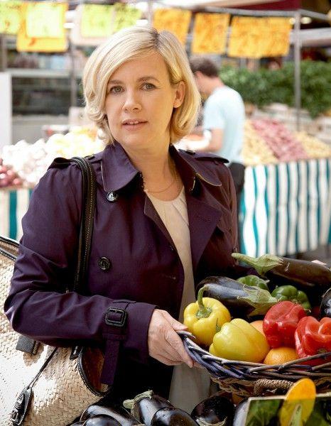 La célèbre Landaise propose sa cuisine fine et généreuse aux accents du Sud-Ouest à Paris*, Londres et Moscou. Voici son best of. http://www.elle.fr/Elle-a-Table/Les-dossiers-de-la-redaction/News-de-la-redaction/Les-produits-cultes-d-Helene-Darroze-2711442