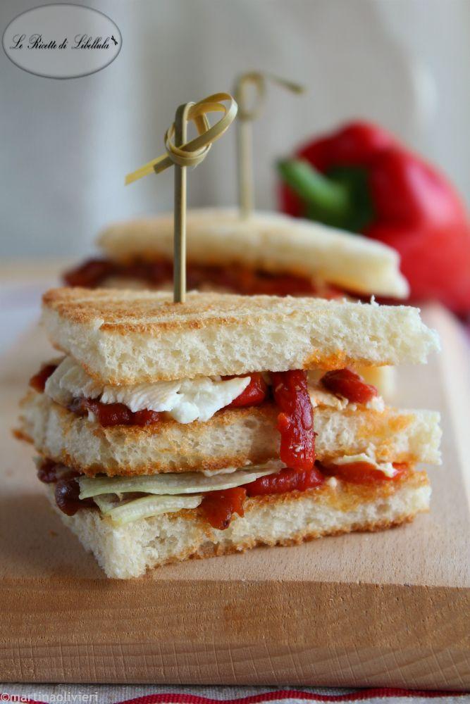 #Sandwich con #peperoni arrosto e #feta #ricetta #foodporn #gialloblogs