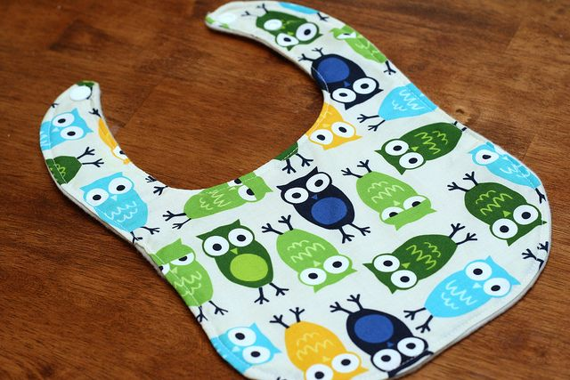 DIY bib. Will be trying this out soon. Good instructions for this beginner to follow!