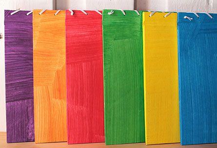 NAM in collaborazione con Favini Nam Artigianato Naturale presenta Colori Essenziali: una linea di sei notebook eco-friendly assemblati, colorati e rilegati manualmente. L'interno è stato realizzato in Favini Shiro Alga Carta. https://www.facebook.com/NAMartigianatoNaturale  www.favini.com