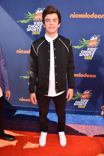 Hayes Grier Pictures - Nickelodeon Kids' Choice Sports Awards 2015 - Red Carpet - Zimbio