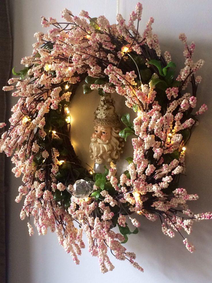 Pink wreath, Santa and seedlights