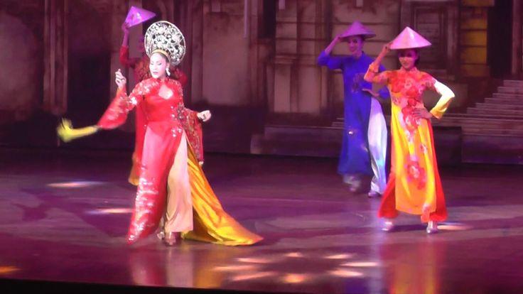 ALCAZAR CABARET SHOW, PATTAYA, THAILAND, VIETNAMESE GROUP DANCERS 23-4-2017