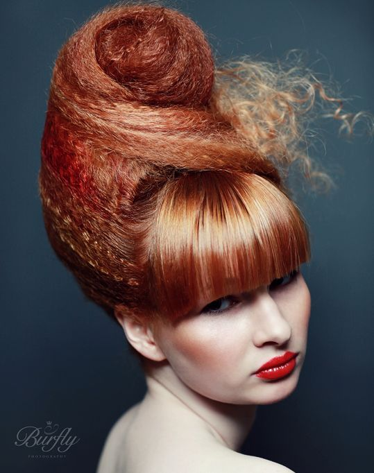 Crimped and a smooth fringe. Good contrast.