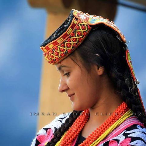 Beauty is power ;a smile is its sword ! ☺  A Kalasha girl from Rumbur Valley of Kalash, Chitral, KPK, Pakistan #dawndotcom #dawn_dot_com #pakistan #Chitral #imranschah #portrait #portraits #portaiture #FacesofPakistan #face #portraiturephotography #portraitures #human #humansofpakistan #canon_official #canon_photos #canon5dmarkiii #beautiful #TerichmirTravelPakistan #promotetourism #tourisminpakistan #promotepeace #beautifuldestinations #beautifulpakistan #kalashvalleys #kalashfestivals…