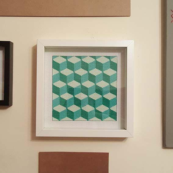 Pattern and Cross Stitched by Joana Menezes (https://pt.pinterest.com/j0menezes/my-diy-works-others/)  #CrossStitch #CrossStitchPatterns #3DCubes #OpArt #GeometricCrossStitch