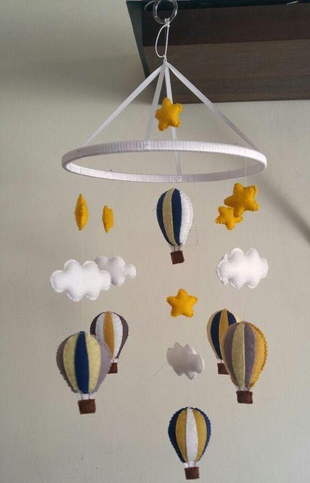 Móbile de Berço Balões com Estrelas