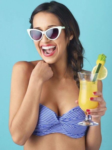 Das Alkohol dick macht, ist kein Geheimnis. Doch die folgenden kalorienarmen Cocktails kannst du dir gönnen, ohne ein schlechtes Gewissen haben zu müssen.