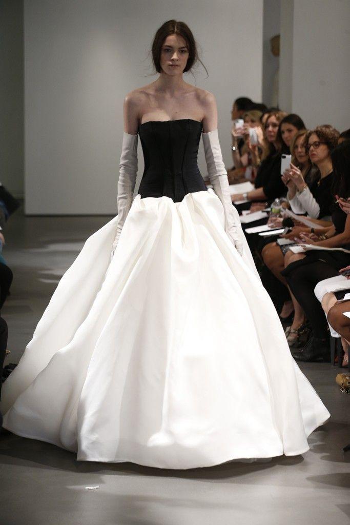 Vera Wang Bridal Spring 2014 - Slideshow - Runway, Fashion Week, Reviews and Slideshows - WWD.com