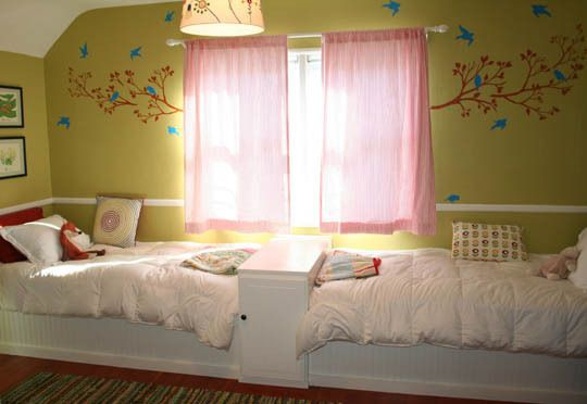 Way cool idea for doing twin beds!