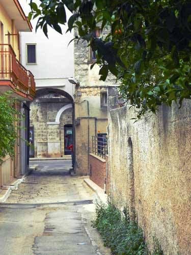 Qual è l'antico nome di via Arco Adamo a #Capurso?   Scopritelo qui: http://www.lestraderaccontano.it/capurso-hidden/238-via-arco-adamo