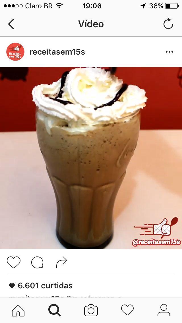 Frapuccino - 200ml de café congelado em cubos, 1 copo de leite desnatado congelado em cubos , 1 colher de cacau e 2 colheres de adoçante. Batido no liquidificador com um pouco de leite gelado.
