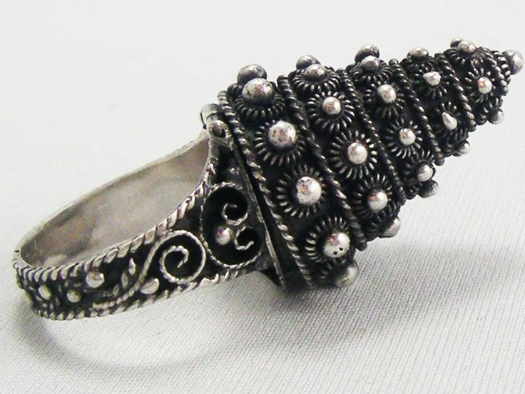 Antique Topazio ETRUSCAN STERLING SILVERCannetille Beehive POISON ring c.1930's #Topazio