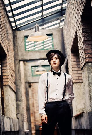 Kim Hyun Joong 김현중 ♡ so fashionable :D ♡ hat ♡ bow tie ♡ long hair ♡ Kdrama ♡ Kpop ♡