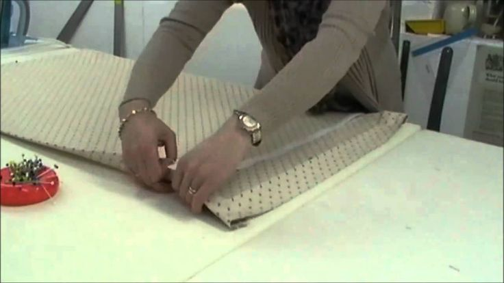 Visit us at MyDecozo soft furnishing forum for more tips and advice. www.mydecozo.co.uk Double sided sticky tape - Tried & tested.. http://www.mydecozo.co.uk...