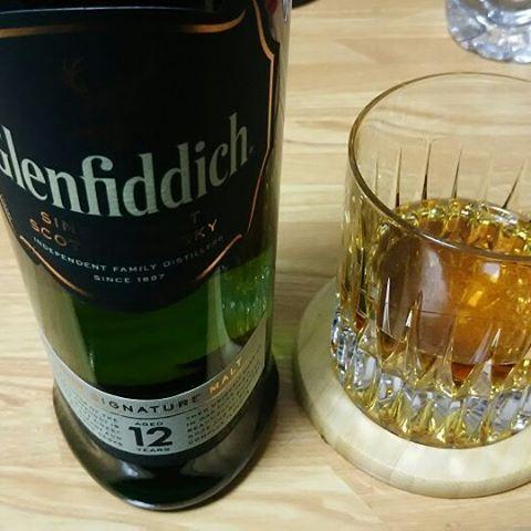 NCIS:NOLA S2E16を見ながら  #グランフィディック #glenfiddich  #スコッチウイスキー #scotchwhisky #シングルモルトスコッチウイスキー #sınglemaltscotchwhisky #コエドビール #coedo #伽羅 #kyara #肉 #ステーキ #beefsteak #青森りんごのタルト #aomoriappeletart