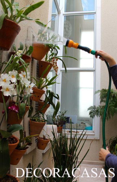 Como cuidar das com plantas e flores no inverno: atenção às regas e pragas da estação para garantir um lindo florescer na primavera. Todas as dicas explicadas por Flávia Ferrari para o DECORACASAS.